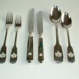 Silberbesteck mit Familienwappen