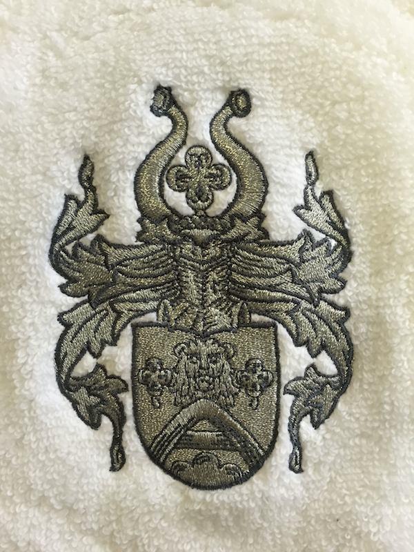 Bademantel-Wappen-einzeln