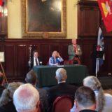 Kaare Seeberg Sidselrud, Elizabeth A. Roads und Alex Findlater bei der Eröffnungszeremonie