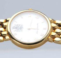 Uhr Gelbgold