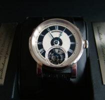 Uhr 'Black T' in Weissgold